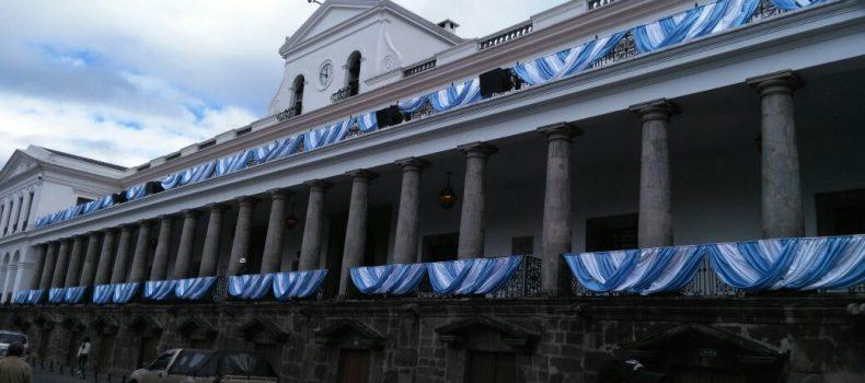 PALACIO DE CARONDELET SE VISTE CON LOS COLORES DE GUAYAQUIL POR SUS FIESTAS FUNDACIONALES